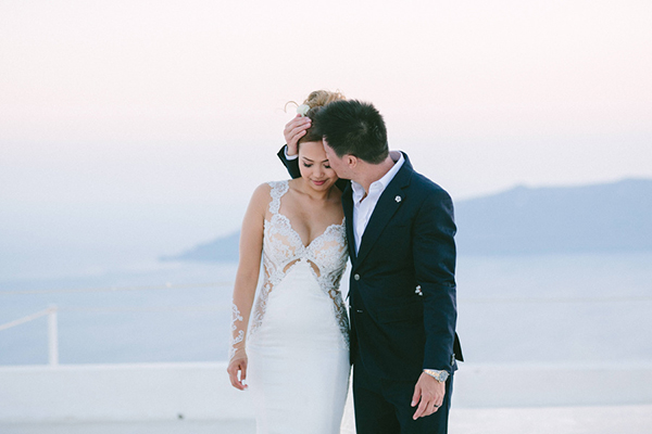 chic-destination-wedding-Santorini-30