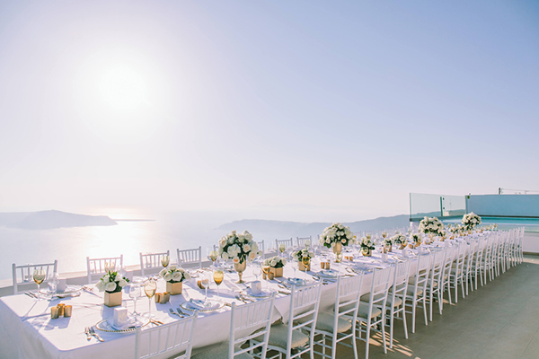 chic-destination-wedding-Santorini-31