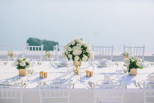 chic-destination-wedding-Santorini-35