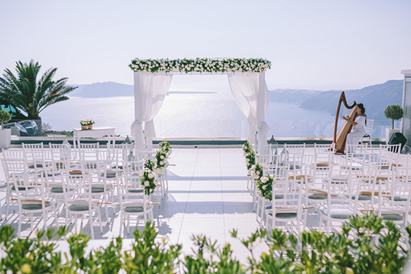 chic-destination-wedding-Santorini-7