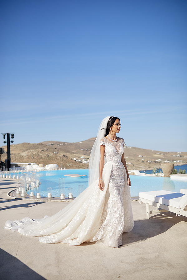 chic-glamorous-wedding-in-mykonos-amazing-berta-wedding-dress-6