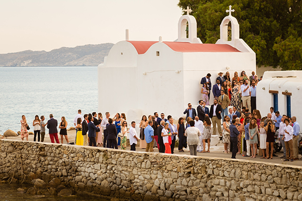 naturally-beautiful-wedding-mykonos-29