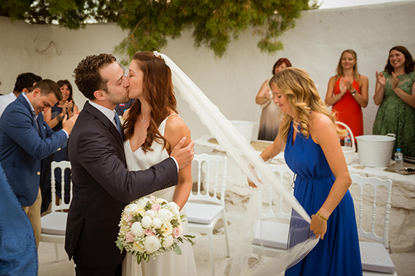 naturally-beautiful-wedding-mykonos-32