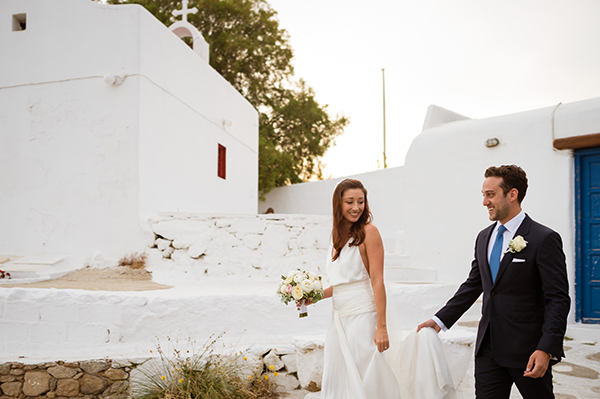 naturally-beautiful-wedding-mykonos-40