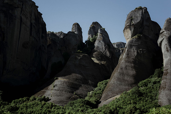 romantic-elopement-meteora-10