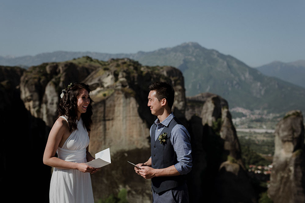 romantic-elopement-meteora-16
