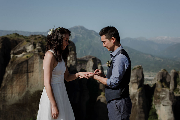romantic-elopement-meteora-17