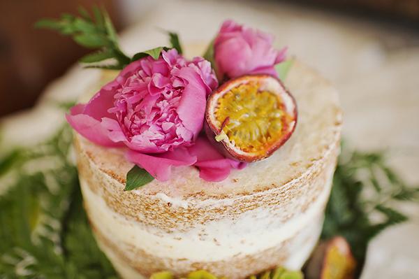 tropical-colorful-wedding-santorini-23