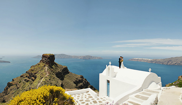 tropical-colorful-wedding-santorini-3