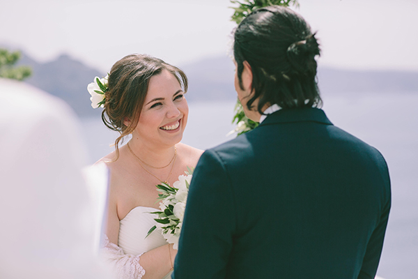 beautiful-destination-wedding-in-santorini-_17