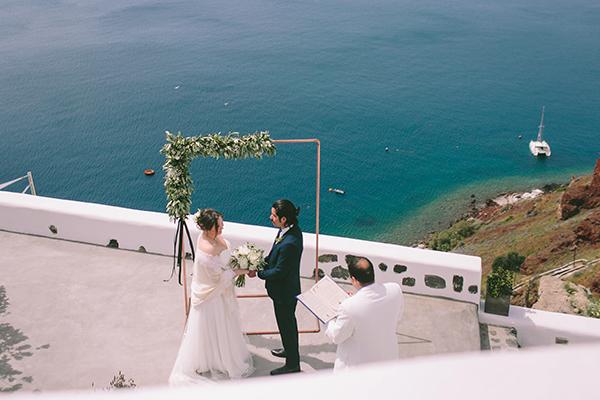 beautiful-destination-wedding-in-santorini-_18