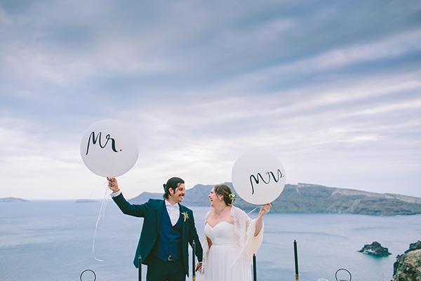 beautiful-destination-wedding-in-santorini-_2