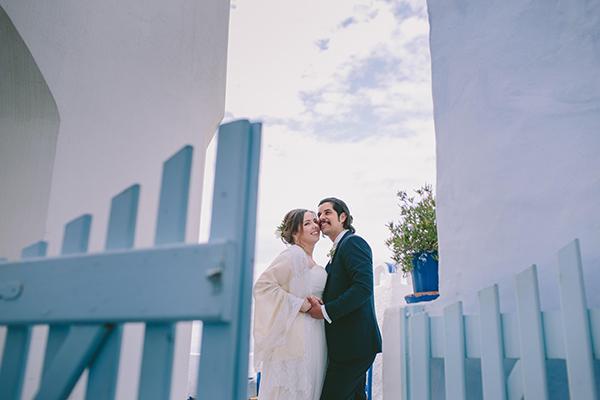 beautiful-destination-wedding-in-santorini-_24