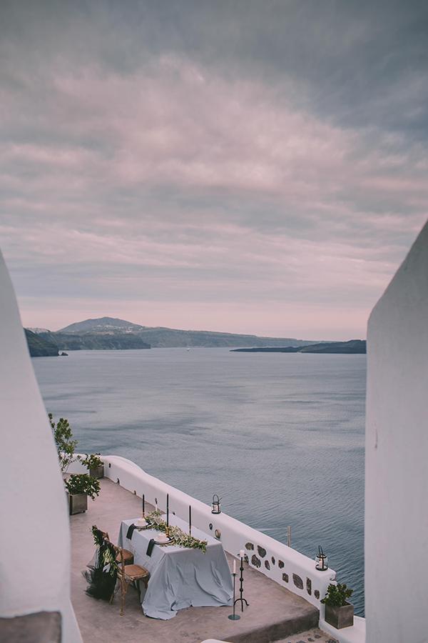 beautiful-destination-wedding-in-santorini-_29