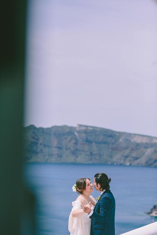 beautiful-destination-wedding-in-santorini-_3x