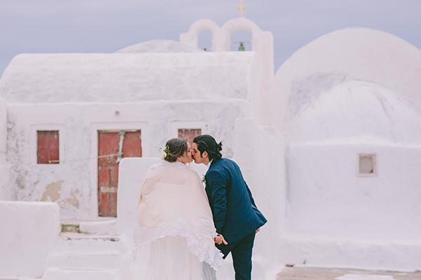beautiful-destination-wedding-in-santorini-_40