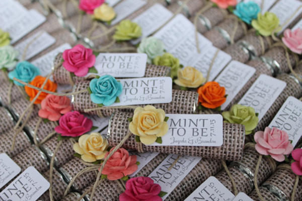 Burlap theme wedding favors