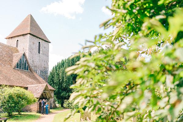 beautiful-rustic-barn-wedding-11