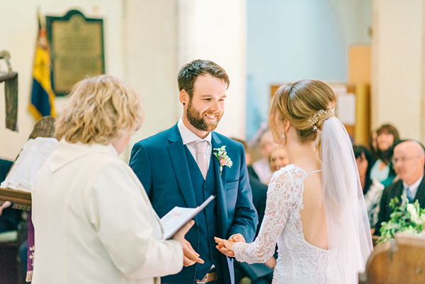 beautiful-rustic-barn-wedding-15