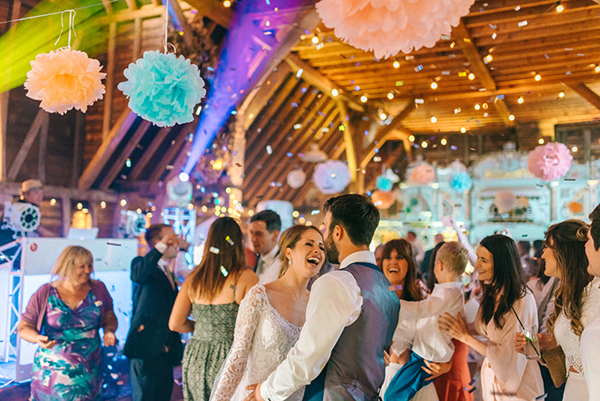 beautiful-rustic-barn-wedding-30