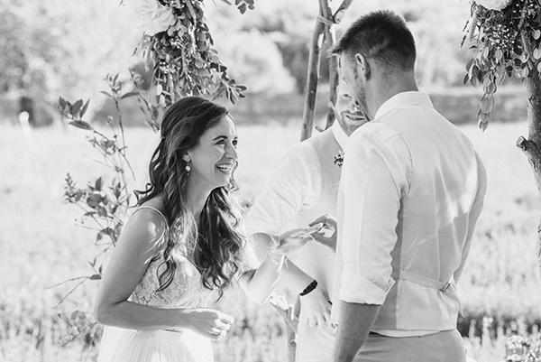 beautiful-rustic-wedding-crete-27