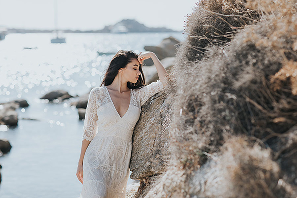 gorgeous-elopement-shoot-mykonos-11