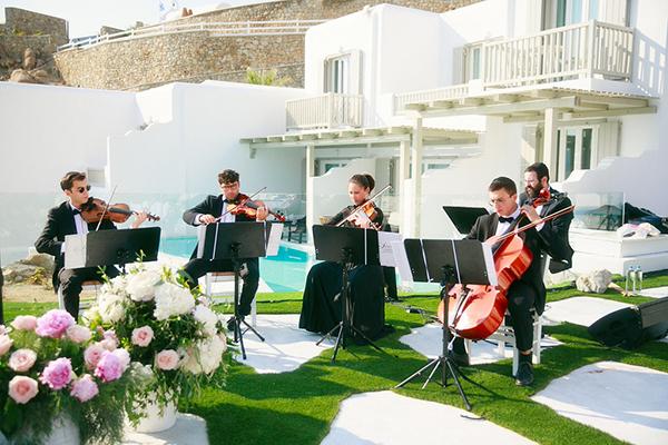 gorgeous-wedding-with-fairytale-scenery-12