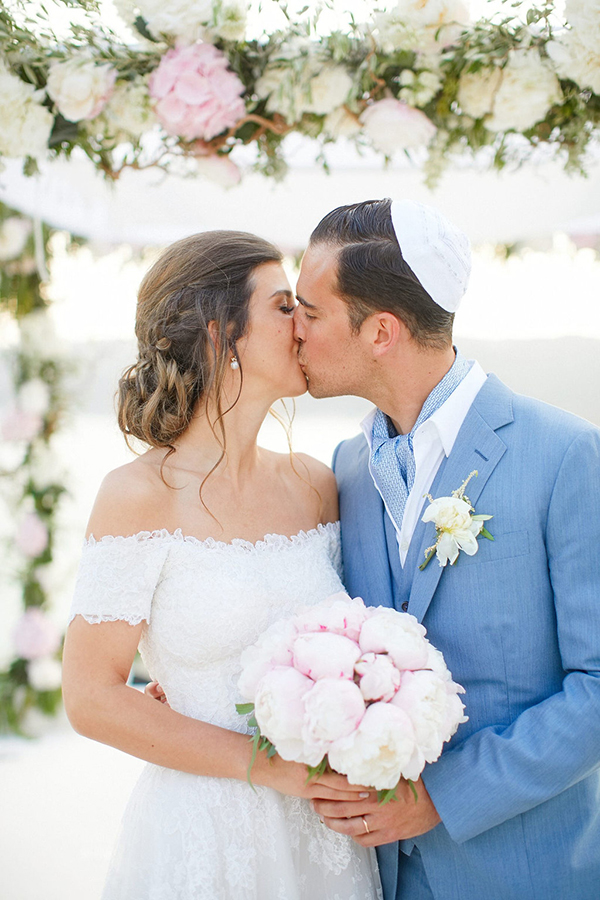 gorgeous-wedding-with-fairytale-scenery-16