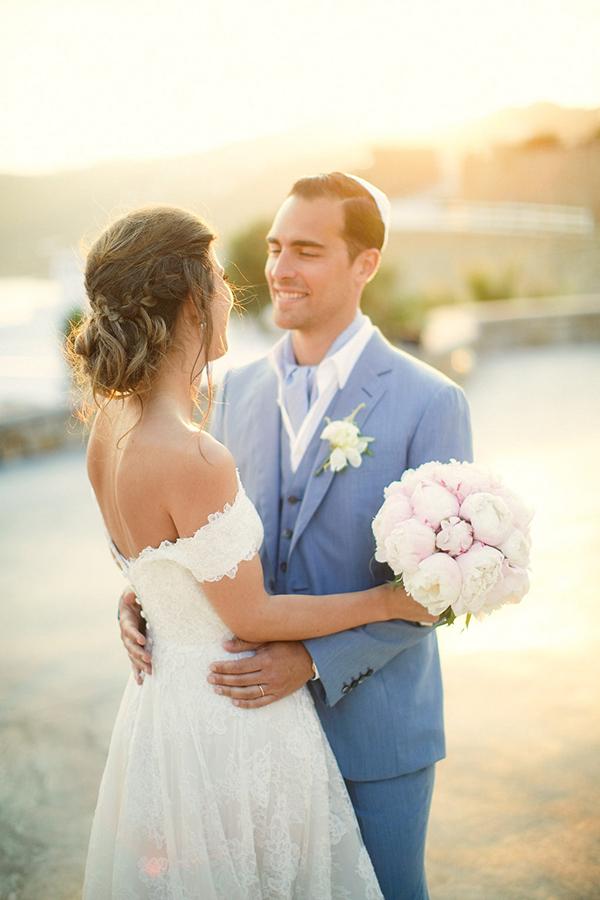 gorgeous-wedding-with-fairytale-scenery-1x