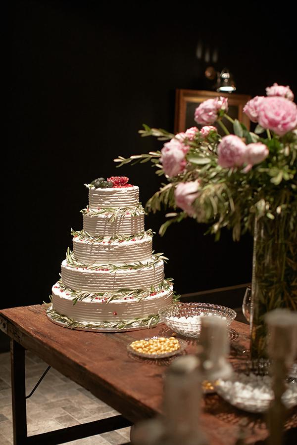 gorgeous-wedding-with-fairytale-scenery-24
