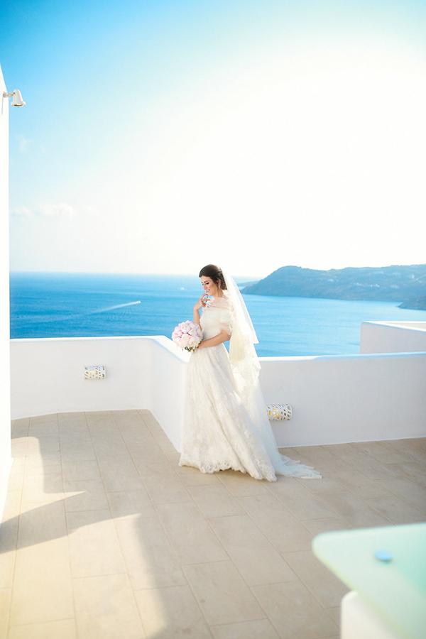 gorgeous-wedding-with-fairytale-scenery-9