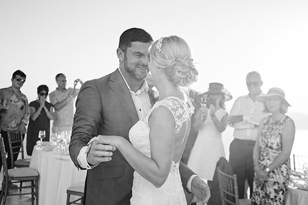 luxurious-wedding-overlooking-sea-28