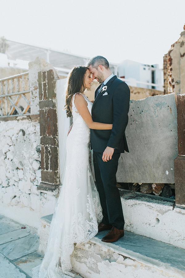 romantic-destination-wedding-Santorini-1