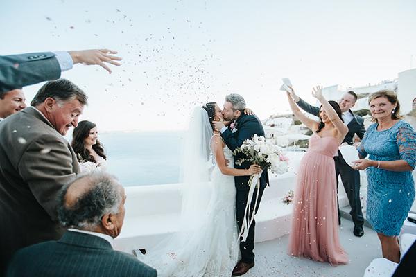 romantic-destination-wedding-Santorini-24