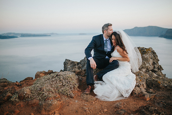romantic-destination-wedding-Santorini-28
