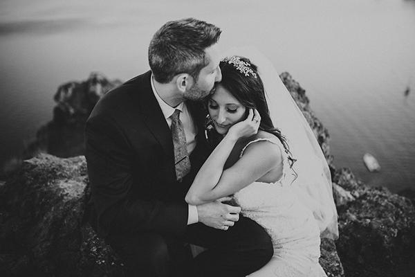 romantic-destination-wedding-Santorini-29