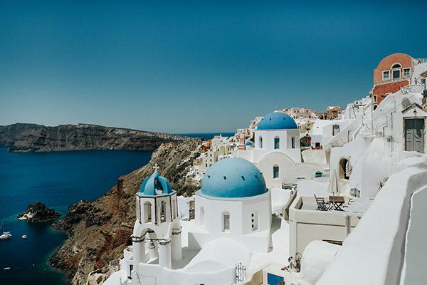 romantic-destination-wedding-Santorini-3