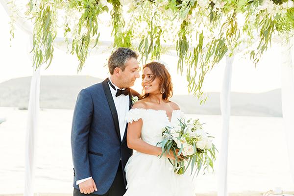 romantic-elegant-wedding-on-the-beach-1