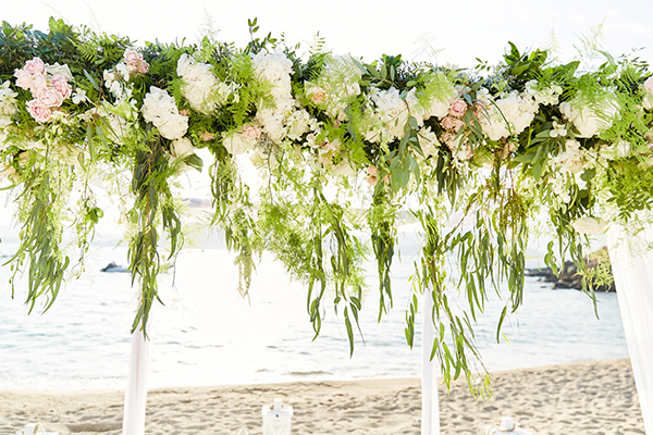 romantic-elegant-wedding-on-the-beach-12