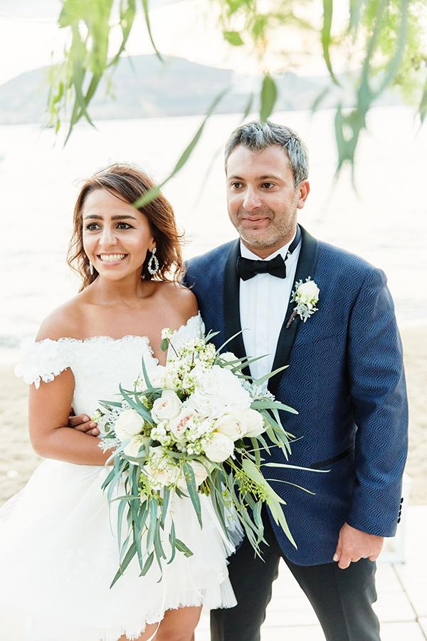 romantic-elegant-wedding-on-the-beach-13