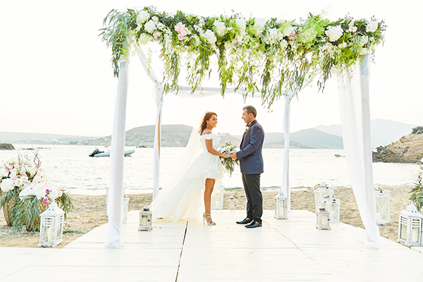 romantic-elegant-wedding-on-the-beach-14