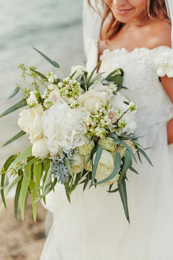 romantic-elegant-wedding-on-the-beach-15