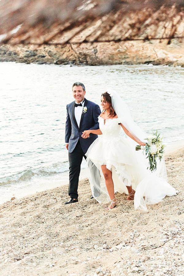 romantic-elegant-wedding-on-the-beach-27