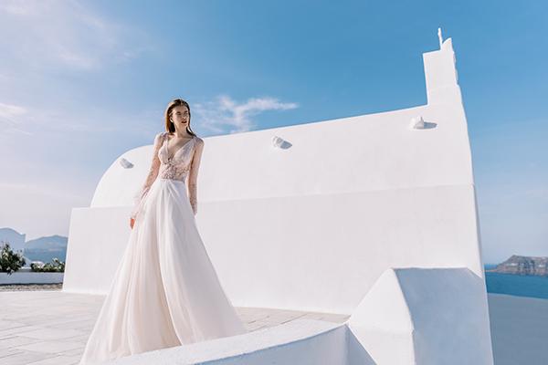 Beautiful shoot in Santorini | Costantino wedding dresses
