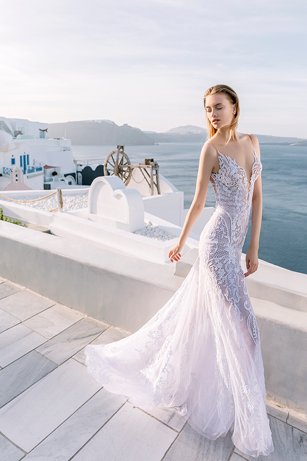 beautiful-shoot-santorini-costantino-wedding-dresses-10