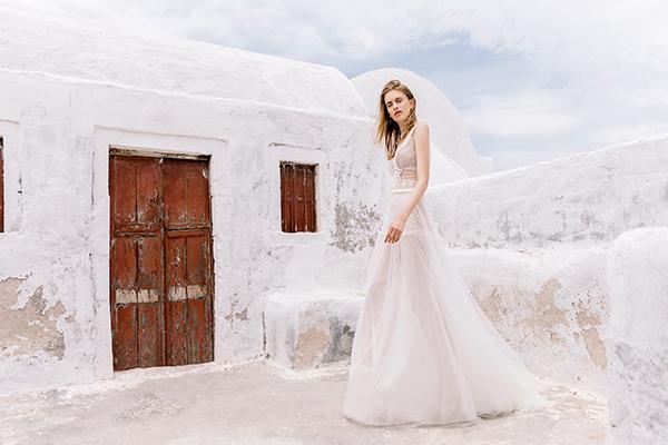 beautiful-shoot-santorini-costantino-wedding-dresses-5