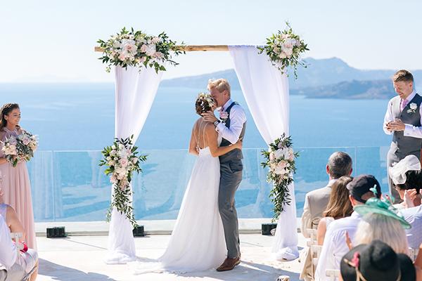 gorgeous-wedding-santorini-25
