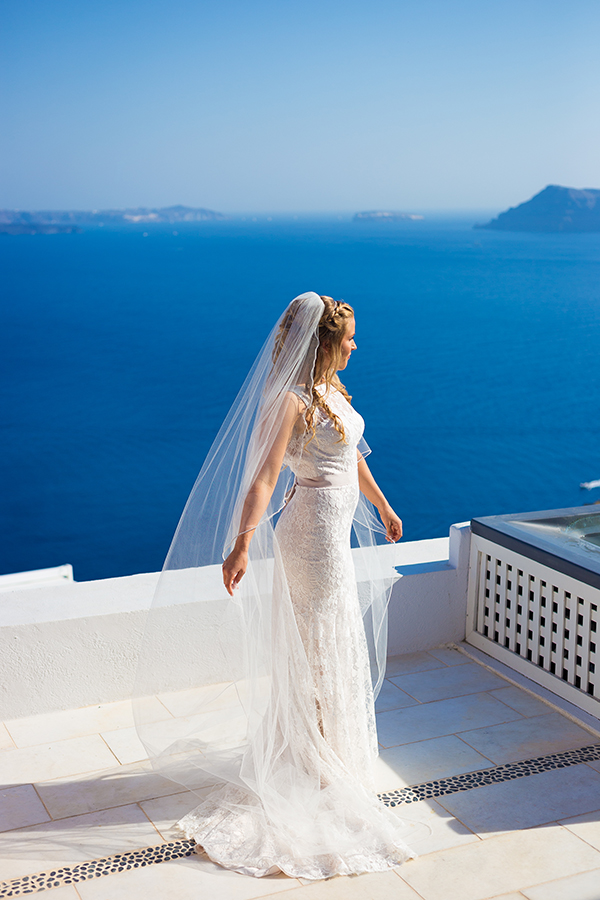 pink-and-gold-wedding-in-santorini-16a