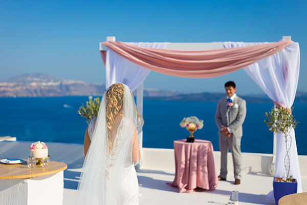 pink-and-gold-wedding-in-santorini-23