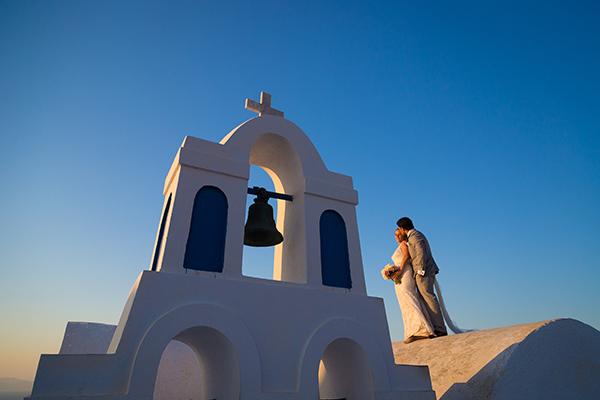pink-and-gold-wedding-in-santorini-5